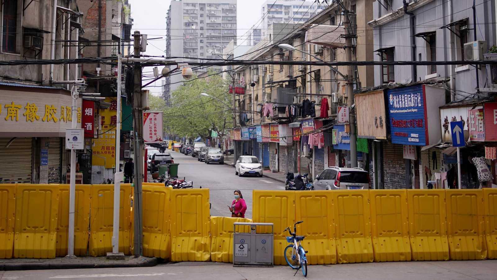 Wuhan mantiene los controles a tres días de reabrir la ciudad tras el confiamiento por el coronavirus