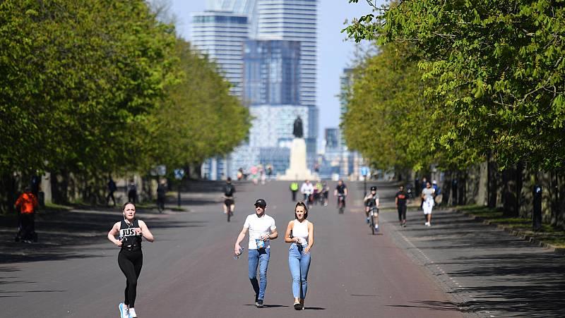 Vídeo: En Italia comienza a dar frutos el confinamiento mientras en Londres y París salen a pasear