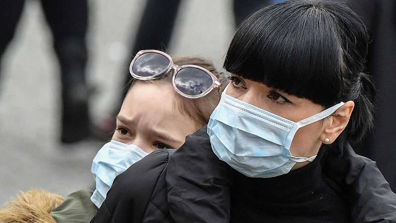 Crece aún más la demanda de mascarillas desde que Sanidad estudia su uso en la población general