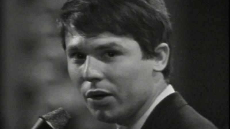 """Eurovisión 1967 - Raphael cantó """"Hablemos de amor"""""""