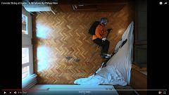 La montaña en el salón: el original vídeo del esquiador confinado