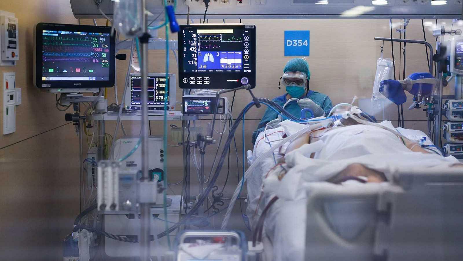España registra un nuevo repunte de contagios con coronavirus y y los fallecidos superan los 14.500