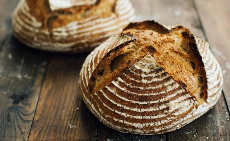 Pan con alubias, sin levadura y aceite reutilizado