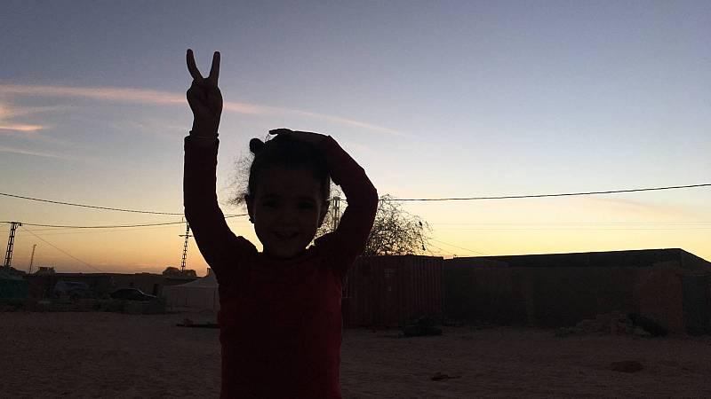 """Los niños saharauis: """"España, estamos con vosotros, ¡ánimo!"""""""