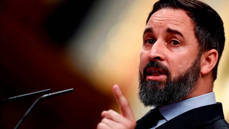 """Santiago Abascal ha querido trasladar """"el pésame y la solidaridad"""" de VOX a """"la totalidad de las víctimas"""", porque """"no sabemos si son 15.000, 30.000 o 40.000, ya que directamente ya no nos creemos sus cifras"""". Lo ha hecho en el Pleno del Congreso de"""