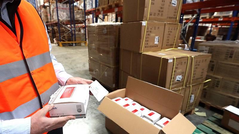 Sanidad repartirá mascarillas ante la reanudación de la actividad laboral además de incentivar la fabricación nacional