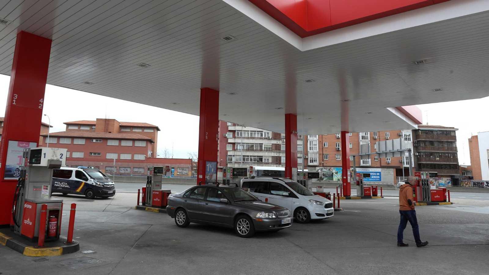 El Gobierno permite que algunas gasolineras reduzcan sus horarios o cierren
