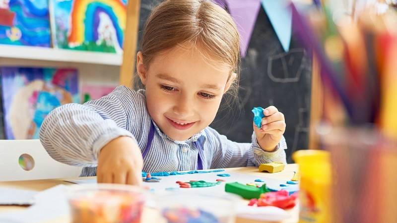 Establecer rutinas y hacer actividad física, recomendaciones para los niños durante el confinamiento