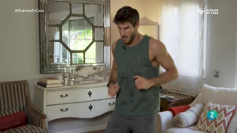 Ejercicios de 'body combat' con brazos y piernas