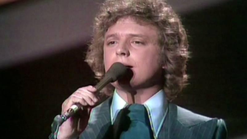 "Festival de Eurovisión 1976 - Braulio cantó ""Sobran las palabras"""