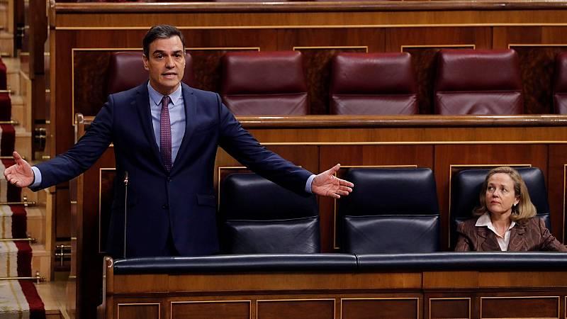 """El Gobierno defiende su gestión ante una oposición que le critica por """"hacer teatro"""" y """"mentir"""""""