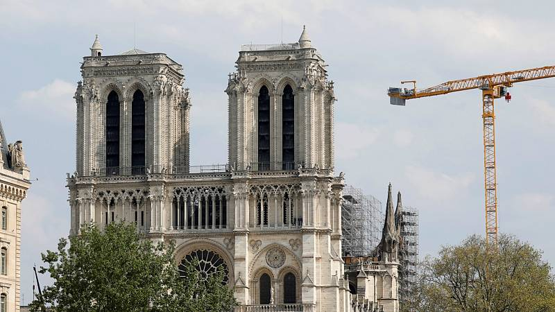 La reconstrucción de Notre Dame, sin fecha un año después