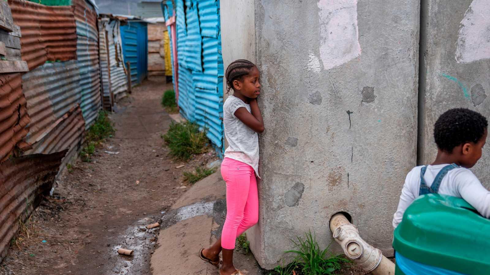 Las ONGs reducen su actividad en África por las restricciones por coronavirus