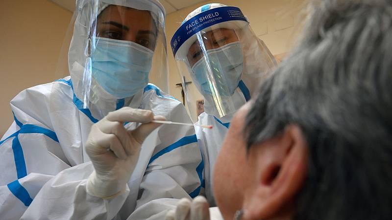 España suma 585 fallecidos y 5.252 casos nuevos de Covid-19 en las últimas 24 horas