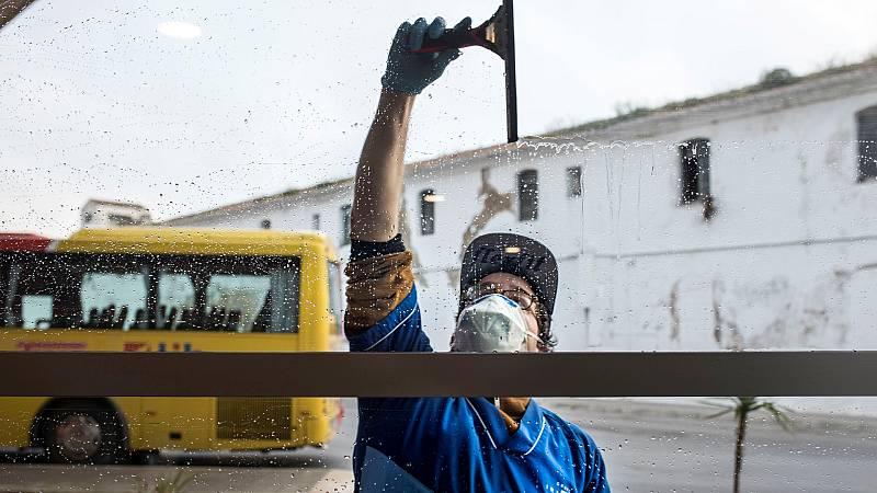 """María Jesús Montero: """"Más de 919 mil autónomos van a recibir este viernes la prestación extraordinaria por cese de actividad"""""""