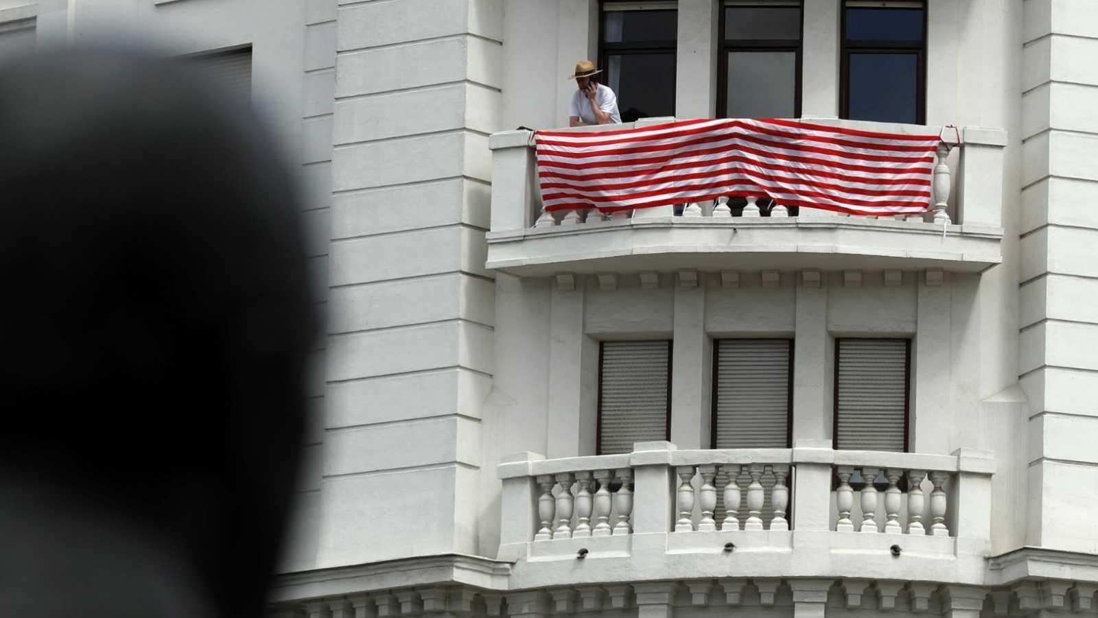 La final inédita de Copa del Rey, el derbi vasco entre Athletic y Real Sociedad, se traslada a los balcones por el coronavirus