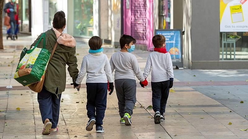 Niños de hasta 14 años podrán salir a la calle acompañados por algún adulto