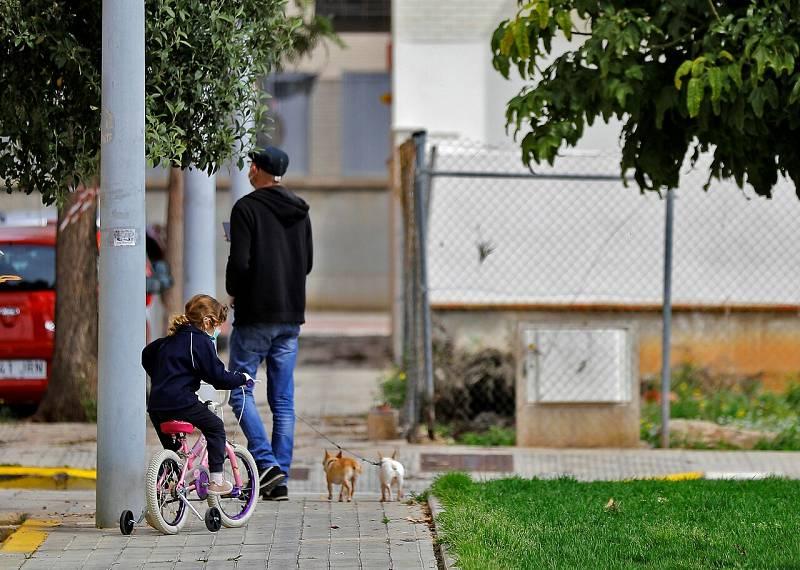 Los niños de hasta 14 años podrán salir a la calle a partir del lunes para ir al supermercado o a la farmacia