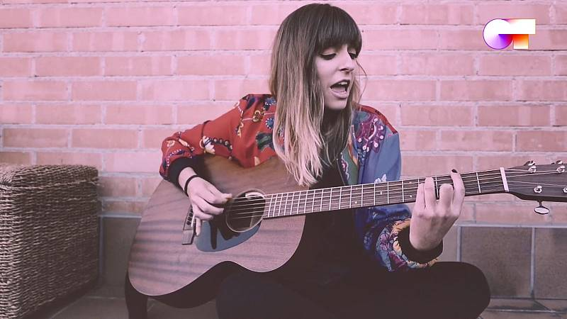 """Maialen canta """"Marta, Sebas, Guille y los demás"""" en el quinto pase de micros de #QuedOTenCasa"""