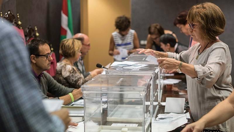 Urkullu baraja convocar las aplazadas elecciones vascas en julio, mientras que Feijóo no se plantea las gallegas