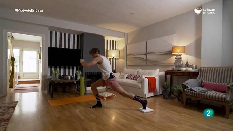 Muévete en casa - ¡Calentamos piernas, glúteos y abdomen!
