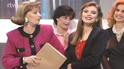 María Teresa Campos presenta a su hija Terelu (1990)