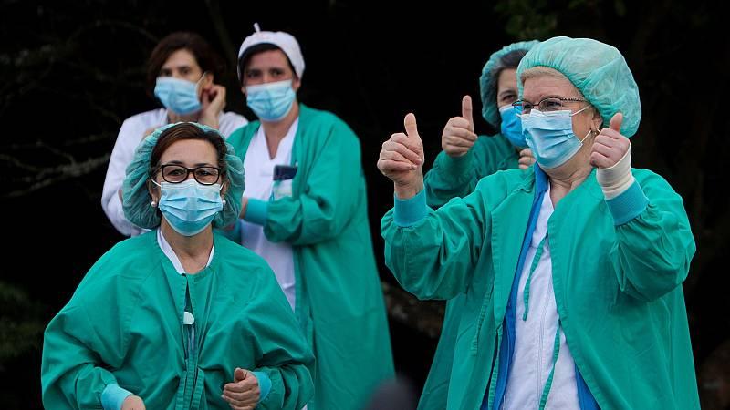 Un hombre localiza en Twitter a la enfermera que trató a su suegra fallecida con coronavirus