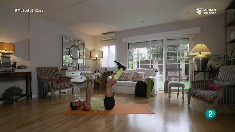 Muévete en casa - Bloque 3: Trabajamos abdominales con pecho, hombros y tríceps