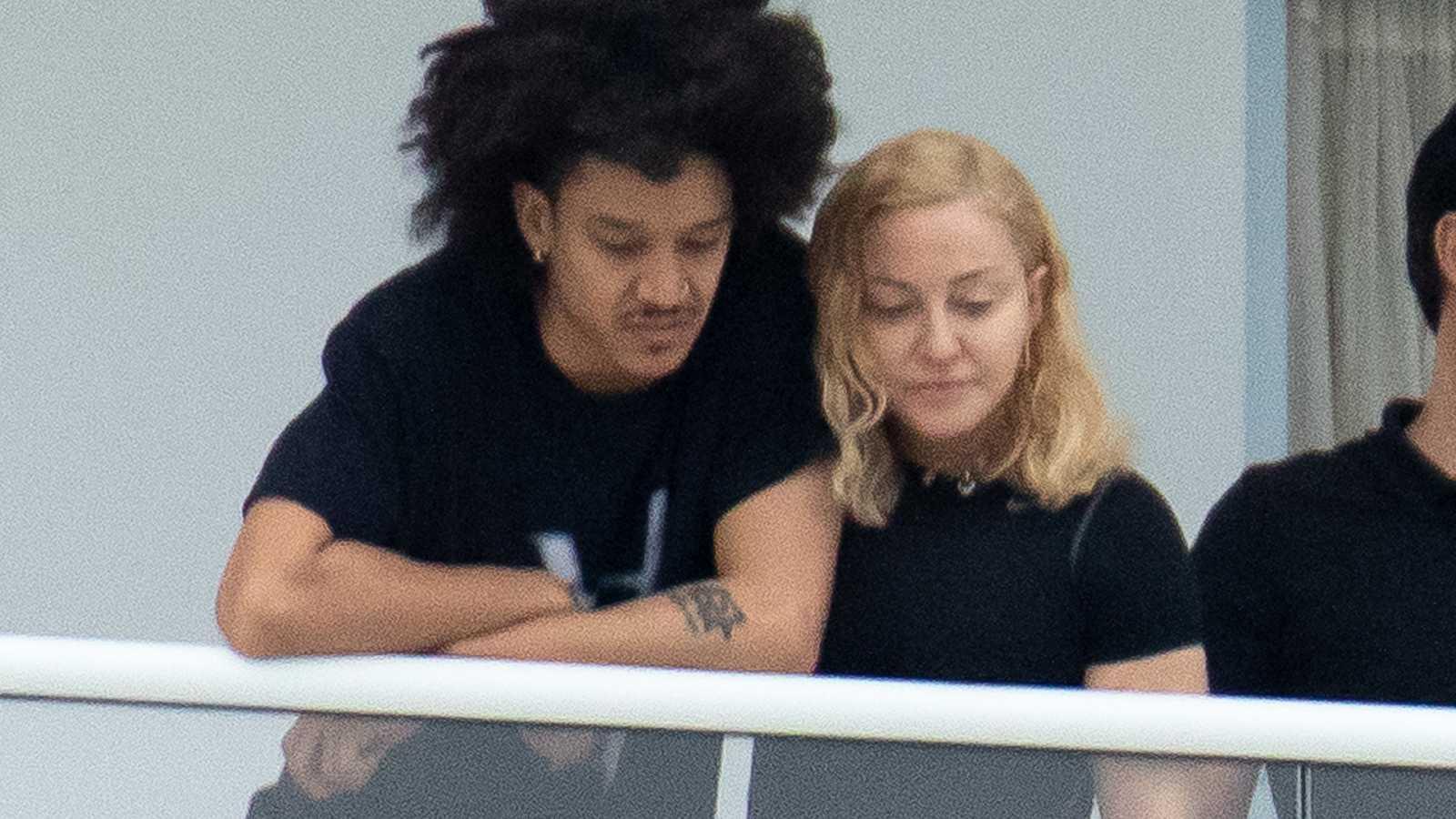 Madonna presenta a su nuevo novio, el bailarín Ahlamalik Williams