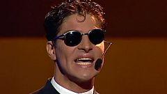 "Festival de Eurovisión 2000 - Serafín Zubiri cantó ""Colgado de un sueño"""