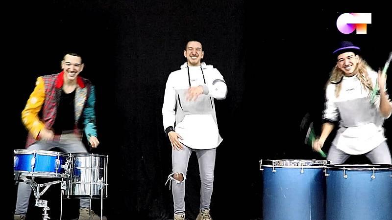 """Bruno canta """"El perdón"""" y también canta """"The Lazy Song"""" y """"Vocé partiu meu coraçao"""" en el sexto pase de micros de #QuedOTenCasa"""