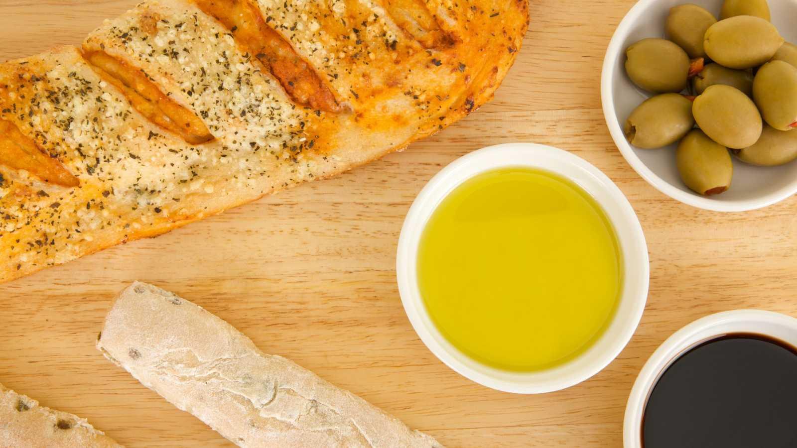 Pan de tomate con ingredientes de casa