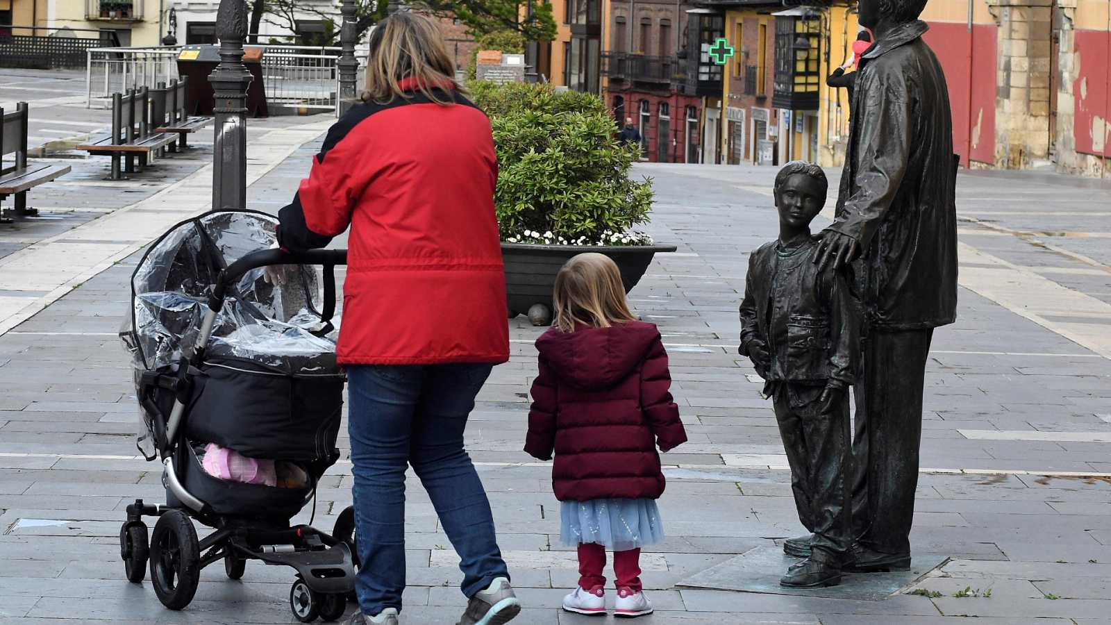 Sanidad establece franjas horarias para separar los paseos de niños y mayores y dependientes