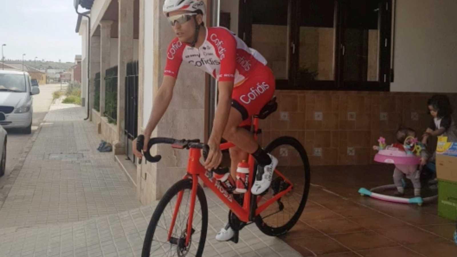"""José Herrada: """"Lo importante ahora es que empiecen las carreras ciclistas cuanto antes"""""""