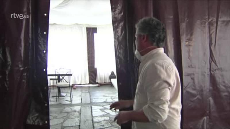 Arturo Miguel Ruano, de la empresa organizadora de bodas local, preocupado ante las cancelaciones de enlaces matrimoniales.