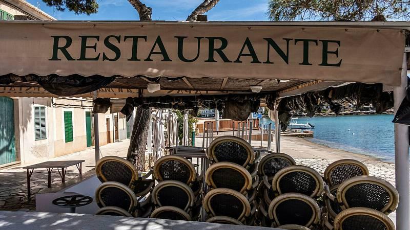 Baleares y Canarias esperan poder empezar a acoger turistas