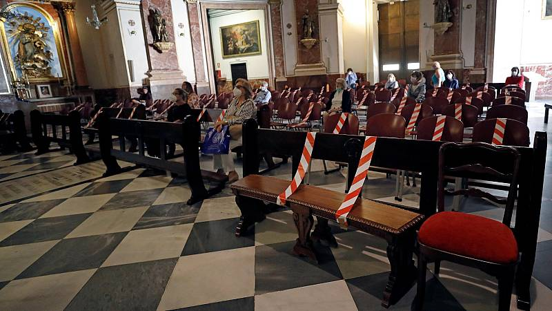 Polémica en Valencia por la decisión del arzobispado de abrir al público la Basílica de la Virgen de los Desamparados