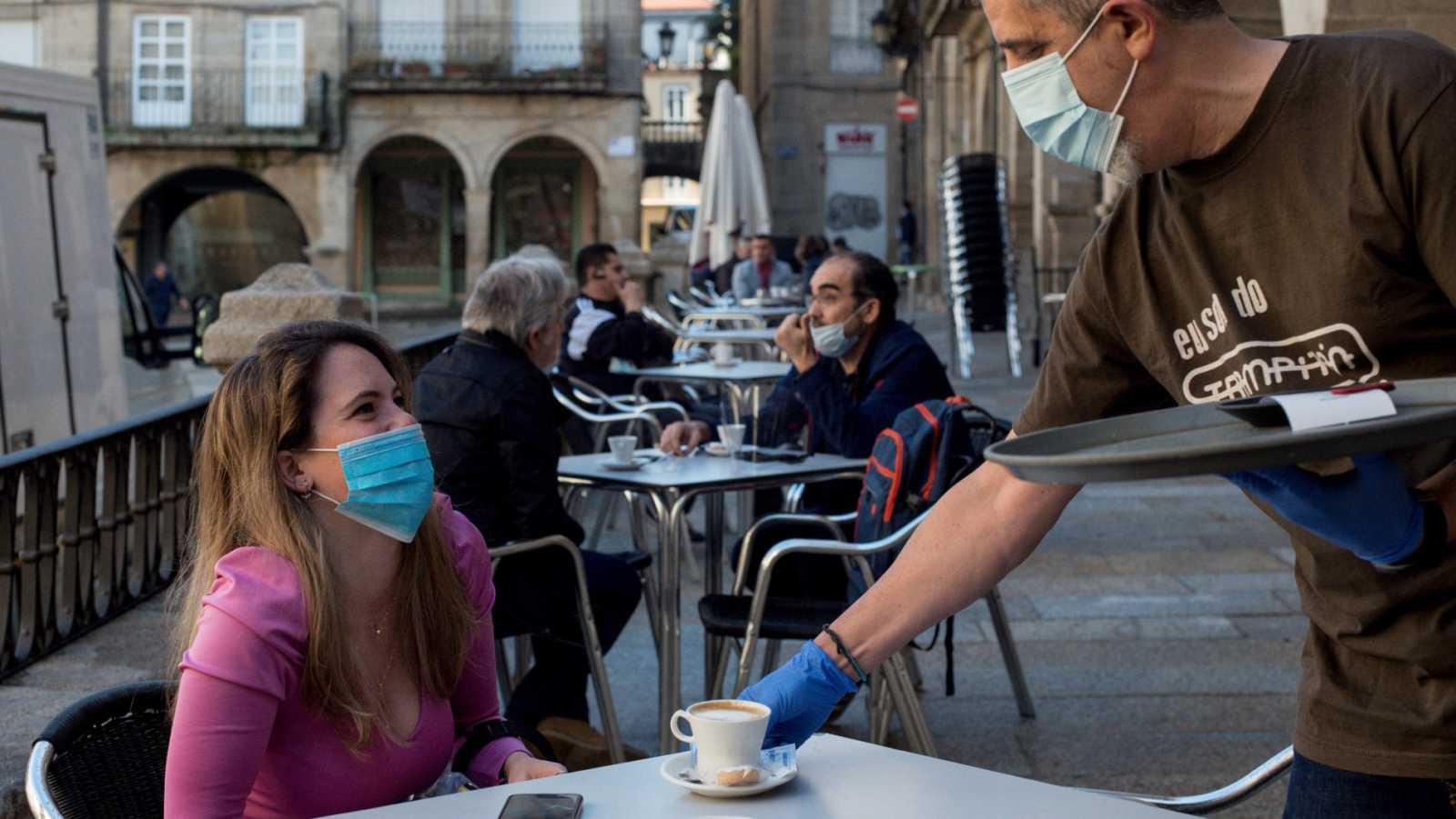 Media España entra el la Fase 1 de la desescalada con alivio de varias medidas del confinamiento