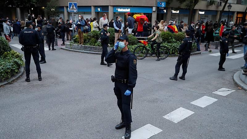Manifestación por quinto día consecutivo en el barrio madrileño de Salamanca contra el Gobierno