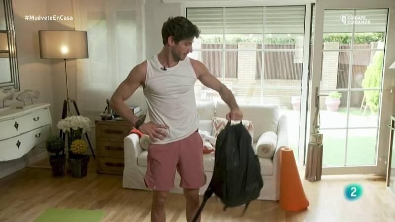Muévete en casa - Ejercicio 2: Combo de trabajo de piernas y brazos