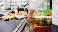 La cesta de la compra se encarece: fruta y pescado suben más de un 10% sus precios