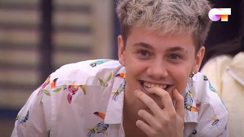"""Hugo ve el vídeo de su single """"Demonios"""" por primera vez y se pone loco de contento"""