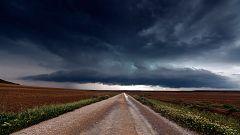 Chubascos y tormentas localmente fuertes en la mitad sur, zona centro y en el entorno de Pirineos