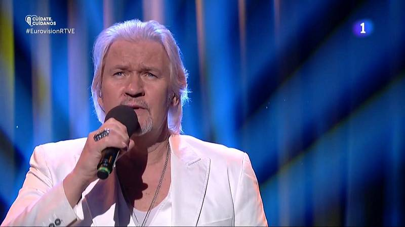 "Johnny Logan canta ""What's Another Year"""