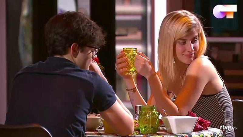 La cena de Samantha y Flavio en la Academia