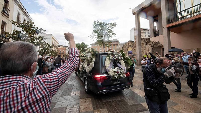 Córdoba despide con aplausos a Julio Anguita