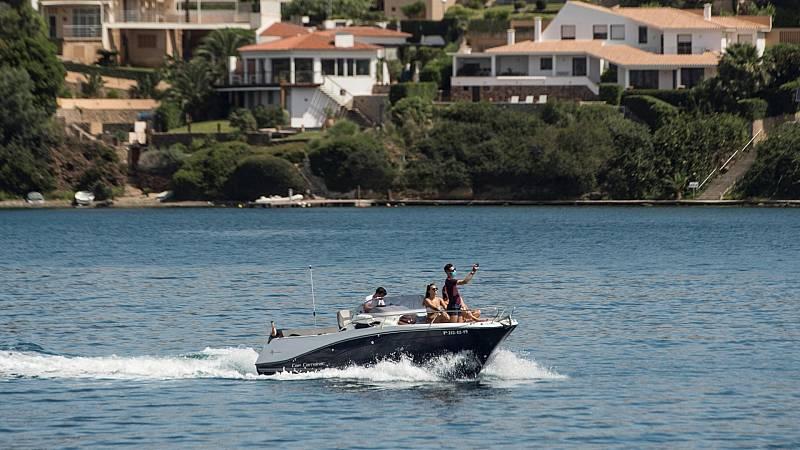 Formentera, La Gomera, El Hierro y La Graciosa disfrutan desde este lunes de más deporte, reuniones sociales y ocio