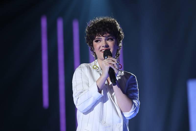 "Anne Lukin canta ""Salté"" en la Gala 10 de Operación Triunfo 2020"