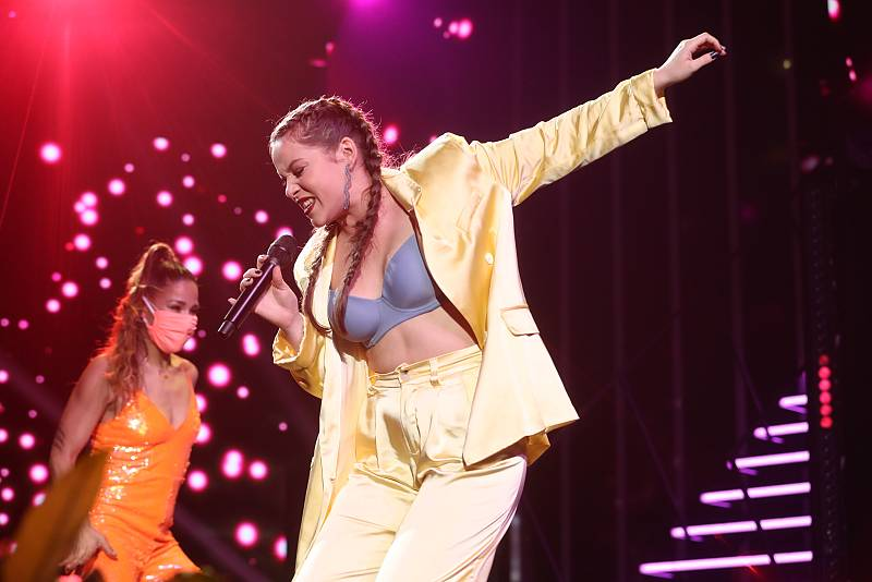 "Eva canta ""Part Time Lover"", de Stevie Wonder, en la Gala 10 de Operación Triunfo 2020"