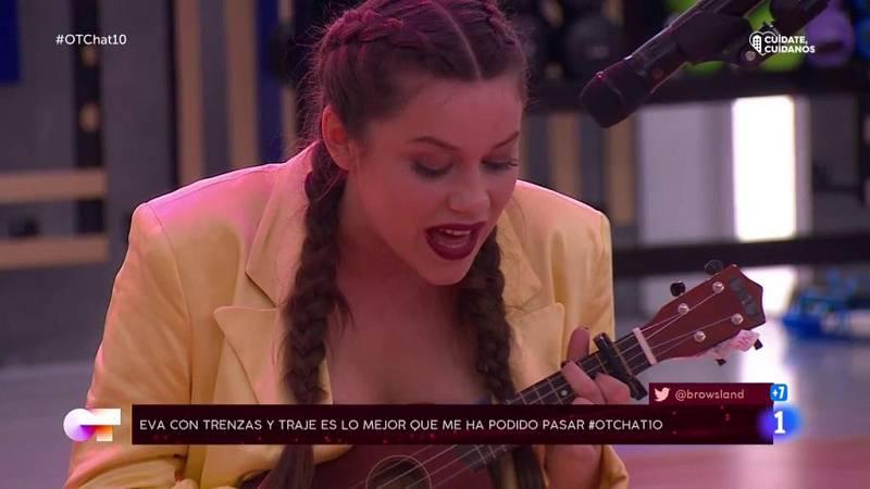 Eva canta una canción a Ivan Labanda en El Chat 10